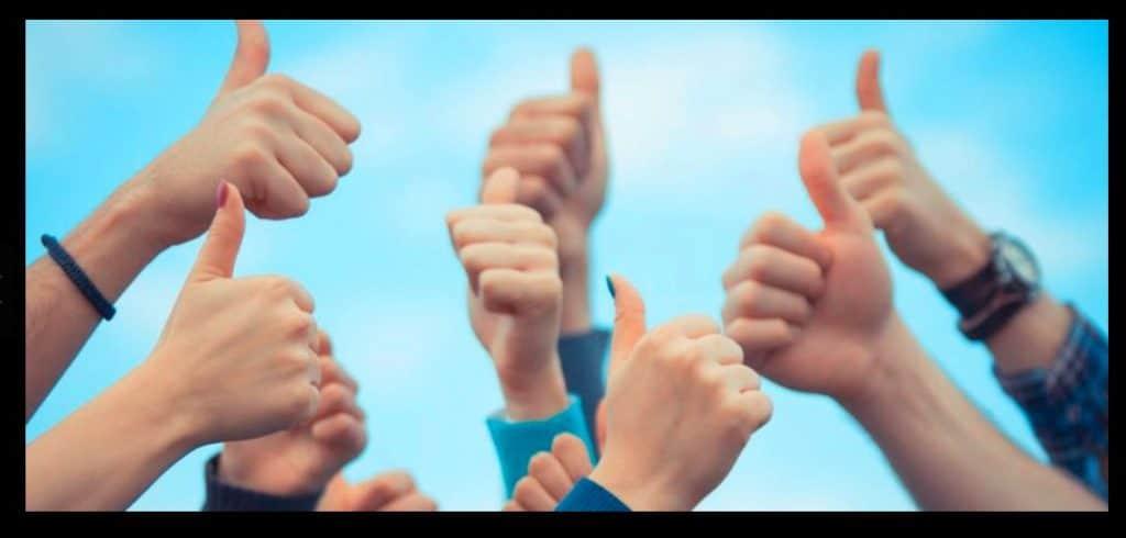 customer testimonials thumbs up